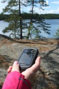 Garmin -GPS-laite maastossa